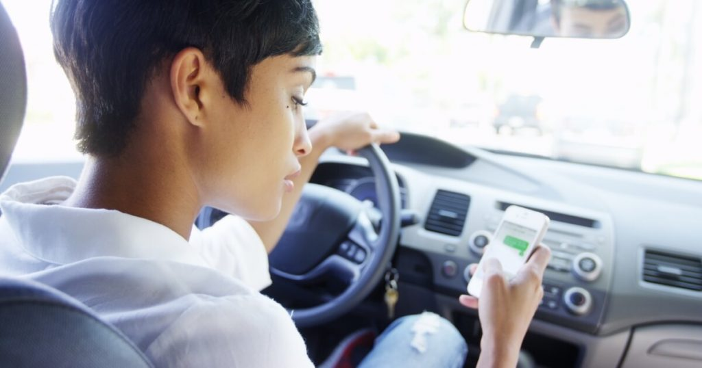 New Illinois Texting and Driving Enforcement Laws Have Arrived